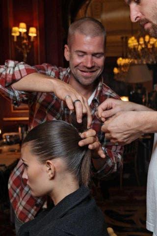 Head, Ear, Hairstyle, Forehead, Eyebrow, Beauty salon, Style, Hairdresser, Barber, Facial hair,