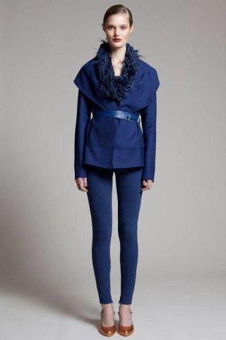 Clothing, Blue, Sleeve, Human body, Shoulder, Collar, Textile, Human leg, Joint, Standing,