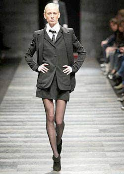 Lagerfeld Gallery Fall 2003 Ready-to-Wear Collections 0001
