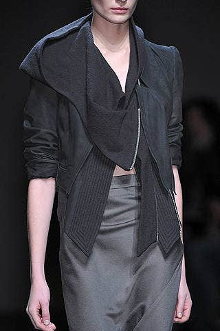 Clothing, Sleeve, Shoulder, Joint, Collar, Outerwear, Fashion show, Fashion model, Style, Formal wear,