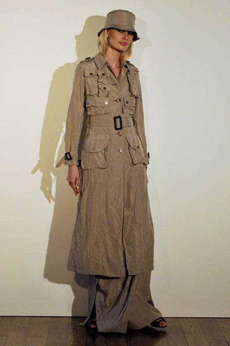 Collar, Sleeve, Standing, Dress shirt, Khaki, Formal wear, Military uniform, Uniform, Military person, Overcoat,