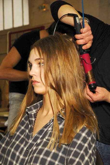 Hairstyle, Style, Wrist, Plaid, Pattern, Long hair, Eyelash, Brown hair, Hair coloring, Street fashion,