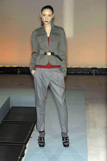 Leg, Sleeve, Dress shirt, Collar, Shoulder, Standing, Joint, White, Floor, Style,