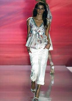 Matthew Williamson Spring 2005 Ready-to-Wear Collections 0003