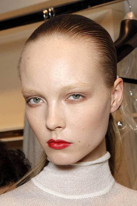 Lip, Hairstyle, Chin, Forehead, Eyebrow, Eyelash, Style, Jaw, Beauty, Fashion,