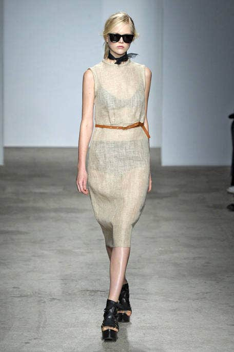 Shoulder, Joint, Fashion show, Style, Dress, Fashion model, Runway, Waist, Street fashion, Fashion,