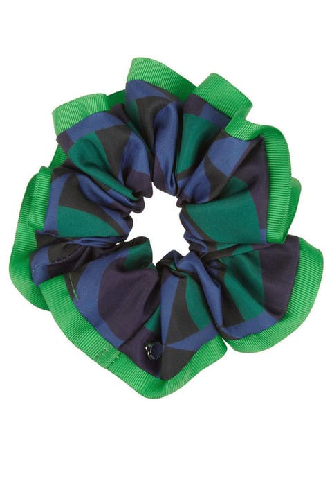 Green, Pattern, Costume accessory, Hair accessory, Natural material,