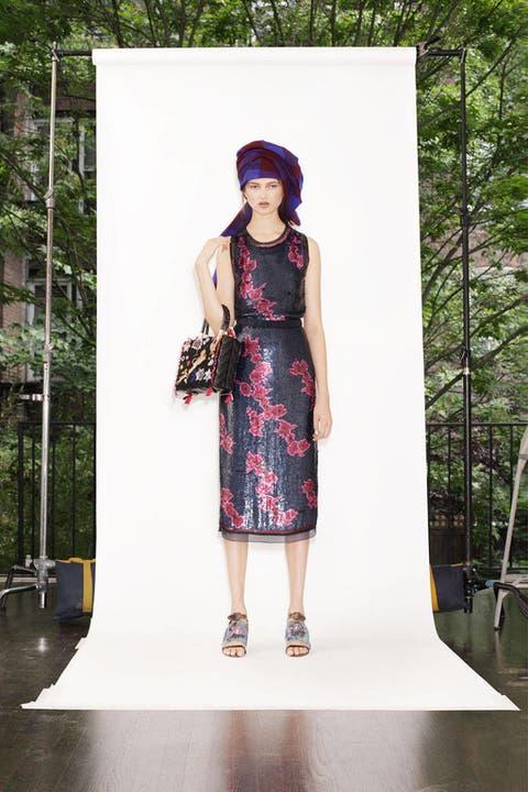 Clothing, Dress, Style, One-piece garment, Street fashion, Fashion, Magenta, Day dress, Pattern, Fashion model,