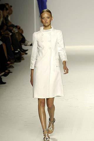 Clothing, Sleeve, Shoulder, Joint, Style, Formal wear, Fashion model, Fashion show, Runway, Fashion,