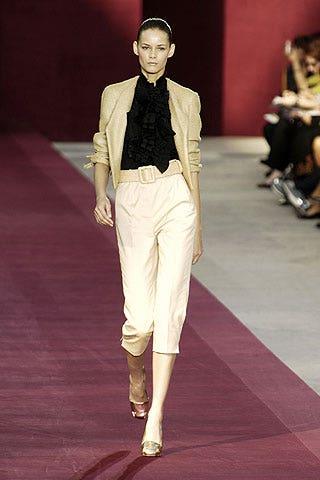Collar, Dress shirt, Textile, Joint, Outerwear, Flooring, Formal wear, Style, Coat, Blazer,