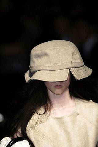 Louis Vuitton Fall 2006 Ready-to-Wear Detail 0001