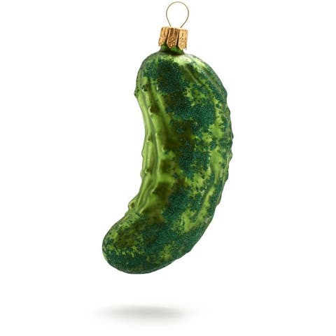 Cucumber, gourd, and melon family, Cucumber, Vegetable, Cucumis, Plant, Winter squash, Food, Jade, Fashion accessory, Winter melon,