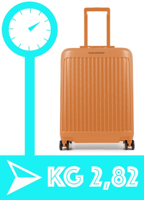La scelta di valigie e trolley non è mai facile, ma da adesso in poi cambia tutto con la nostra selezione severissima in base alle misure e ai pesi dei modelli più leggeri che esistono al momento in circolazione.