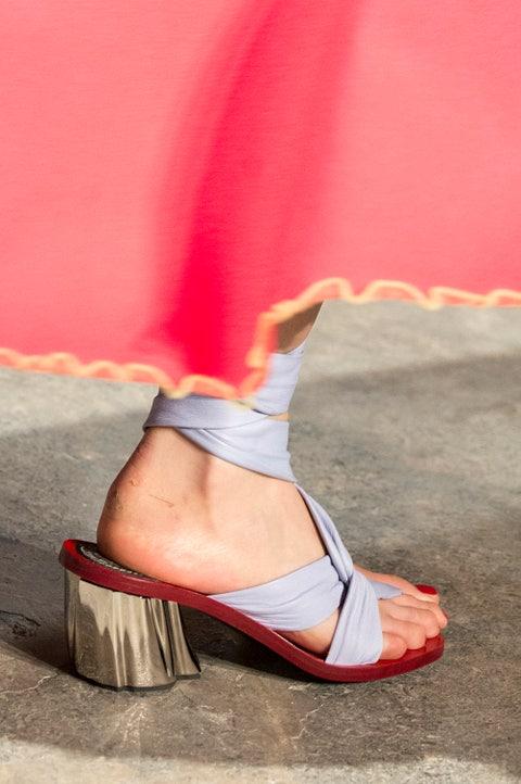 Human leg, Pink, Foot, Knee, Beige, Ankle, Toe, Undergarment,