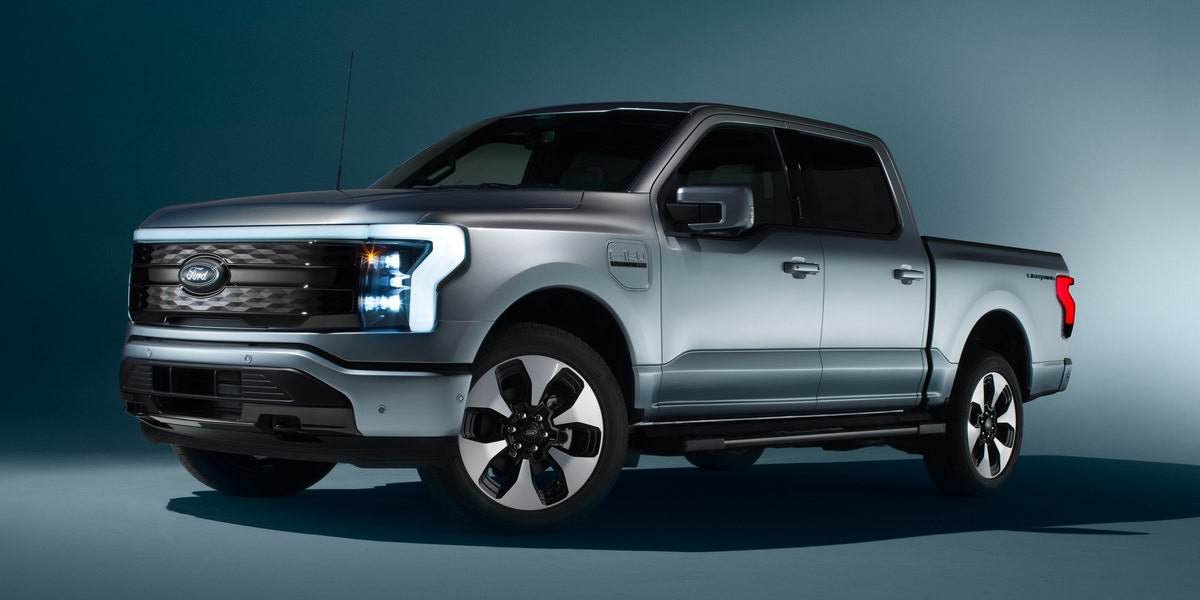 563-HP 2022 Ford F-150 Lightning Turns America's Top Seller Electric