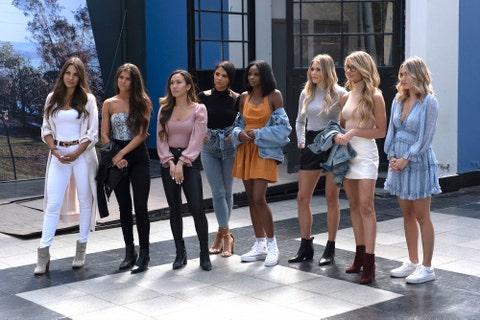 social group, fashion, event, jeans, fun, model, street fashion, shorts, tourism, team,
