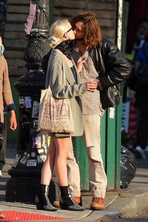 anya taylorjoy and malcolm mcrae kissing in nyc