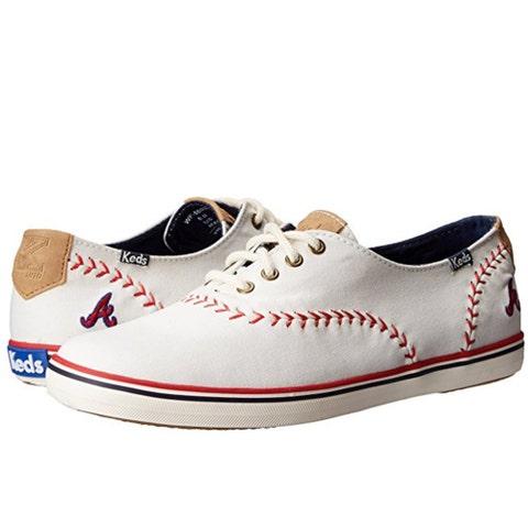 Footwear, White, Shoe, Sneakers, Walking shoe, Plimsoll shoe, Outdoor shoe, Athletic shoe, Beige, Skate shoe,