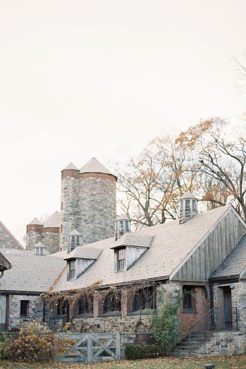 barn wedding venues blue hill farm
