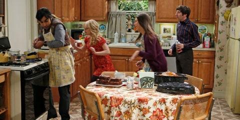 """The Thanksgiving Decoupling"" — The Big Bang Theory (Season 7, Episode 9)"