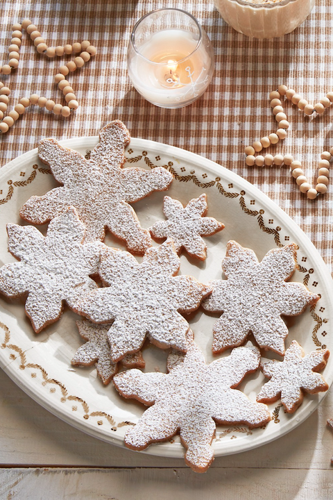 christmas cookie decorating snowflakes
