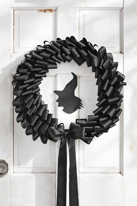 black ribbon halloween wreath