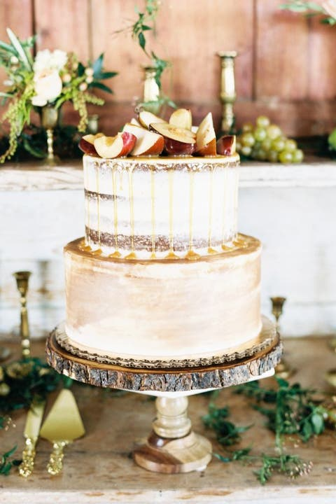 fall wedding cakes apple topper
