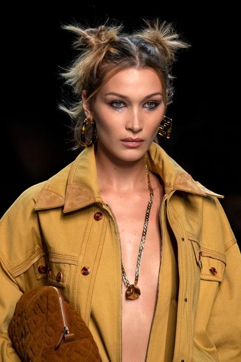 Hair, Fashion, Fashion model, Runway, Beauty, Hairstyle, Fashion show, Model, Lip, Human,