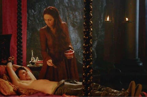 game of thrones sex scenes, sexiest moments game of thrones, melisandre, gendry, leeches,