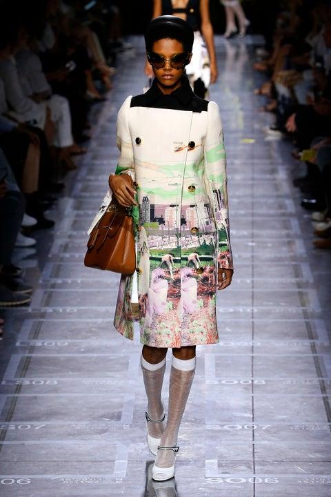 Fashion, Fashion model, Runway, Fashion show, Street fashion, Human, Haute couture, Fashion design, Event,