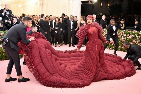 Pink, Dress, Fashion, Gown, Carpet, Event, Haute couture, Fun, Flooring, Red carpet,