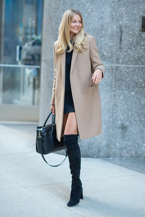 Clothing, Brown, Sleeve, Bag, Textile, Outerwear, Coat, Collar, Style, Street fashion,