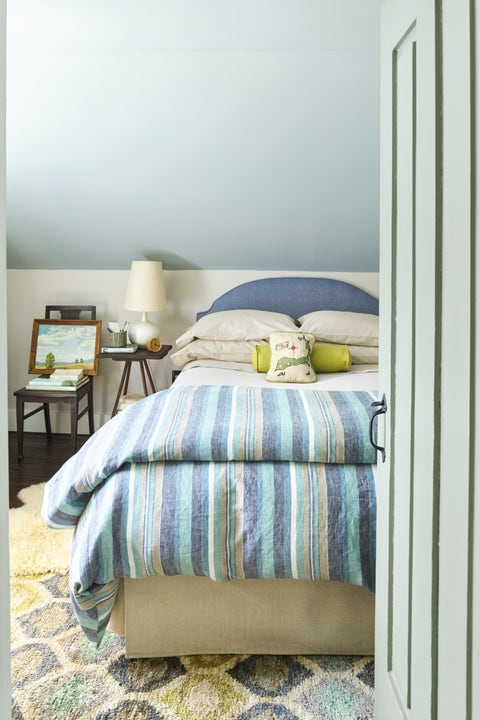 guest bedroom ideas painted ceiling