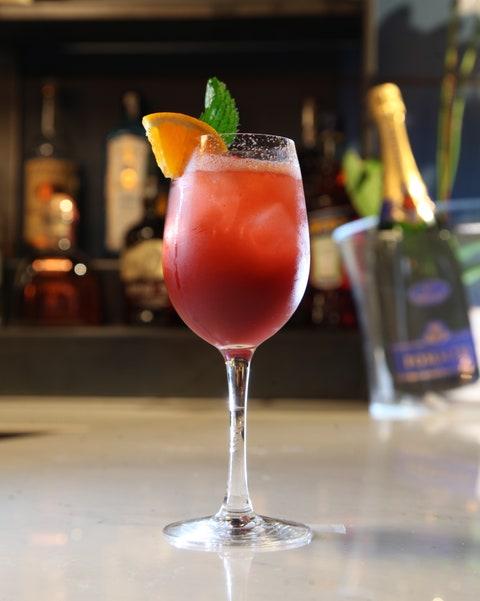 Drink, Juice, Bay breeze, Alcoholic beverage, Cocktail, Non-alcoholic beverage, Sea breeze, Cocktail garnish, Daiquiri, Classic cocktail,