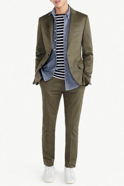 Clothing, Outerwear, Blazer, Jacket, Khaki, Suit, Beige, Standing, Formal wear, Coat,