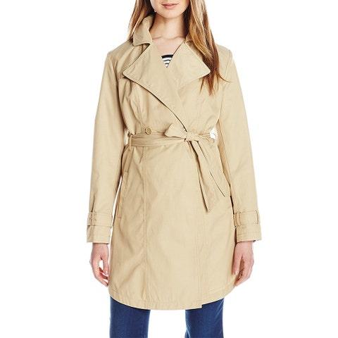 Clothing, Trench coat, Coat, Outerwear, Sleeve, Overcoat, Collar, Beige, Duster, Neck,