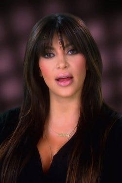 Hair, Face, Hairstyle, Beauty, Lip, Cheek, Long hair, Brown hair, Human, Layered hair,