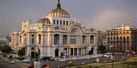 Landmark, Building, Architecture, Classical architecture, Dome, Dome, City, Metropolis, Sky, Basilica,