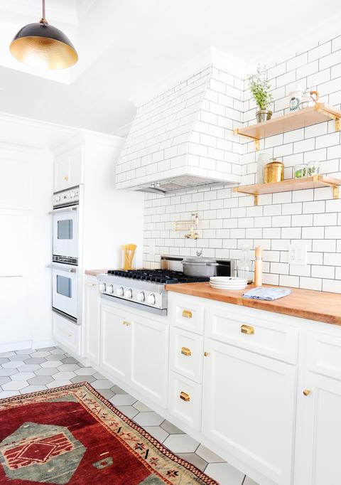 white subway tile kitchen