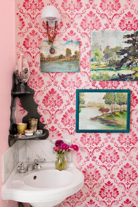 bathroom vintage wallpaper