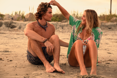 madelyn cline and chase stokes in outer banks season 2