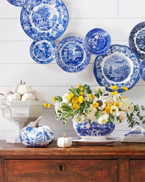 blue and white transferware tureen vase