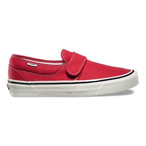 Footwear, Shoe, Red, Product, Skate shoe, Sneakers, Mary jane, Plimsoll shoe, Walking shoe, Athletic shoe,