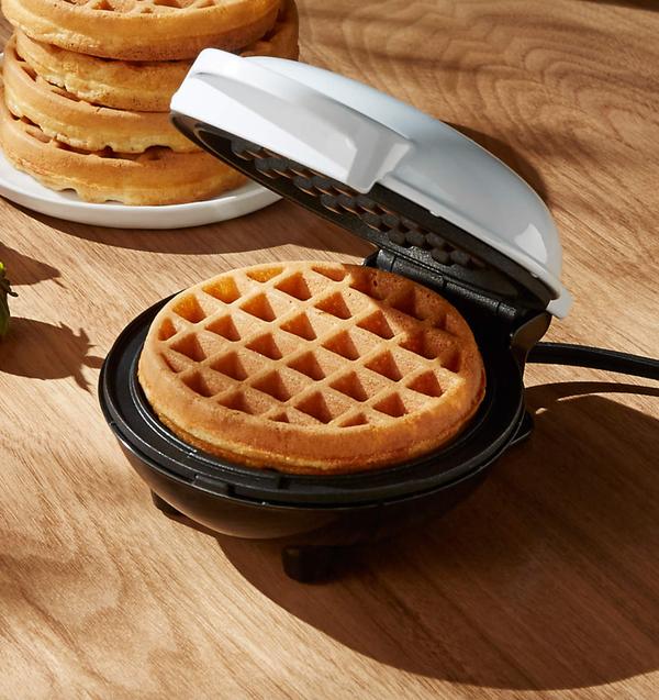 Dash ® White Mini Waffle Maker