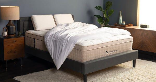 DreamCloud Contour Memory Foam Pillow
