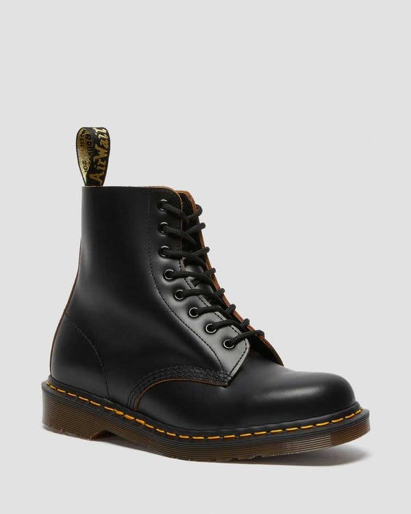 1460 VINTAGE MADE IN ENGLAND LACE UP BOOTS