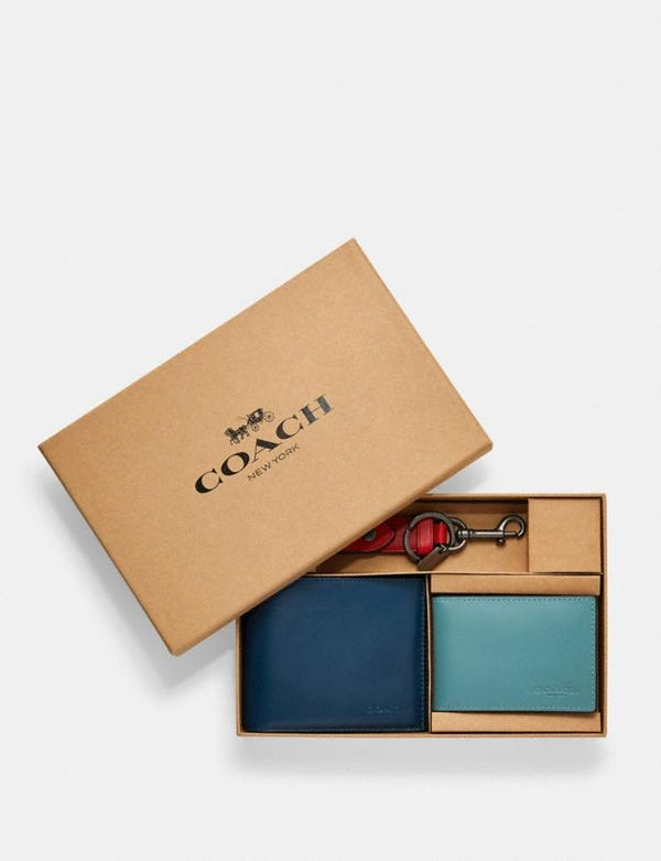 Boxed 3-in-1 wallet gift set in colorblock