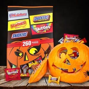 Snickers, Skittles, Starburst & 3 Musketeers Variety Pack - 260 Pieces